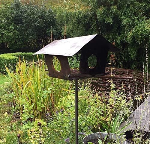 Vogelhaus bzw. Futterhaus für Vögel aus rostigem Metall; Ideale Futterstelle für Ihren Garten