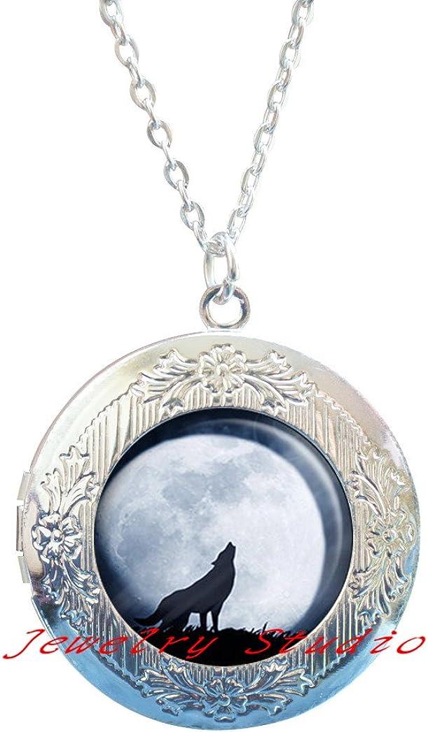 Wolf Moon Locket Pendant, wolf Locket Necklace wolf Locket Pendant, wolf jewelry, wolf jewellery, full moon wolf charm, howling wolf Locket Pendant -HZ00417