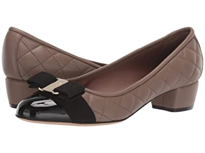 Salvatore Ferragamo Vara Q Pumps (Black/Taupe) Women