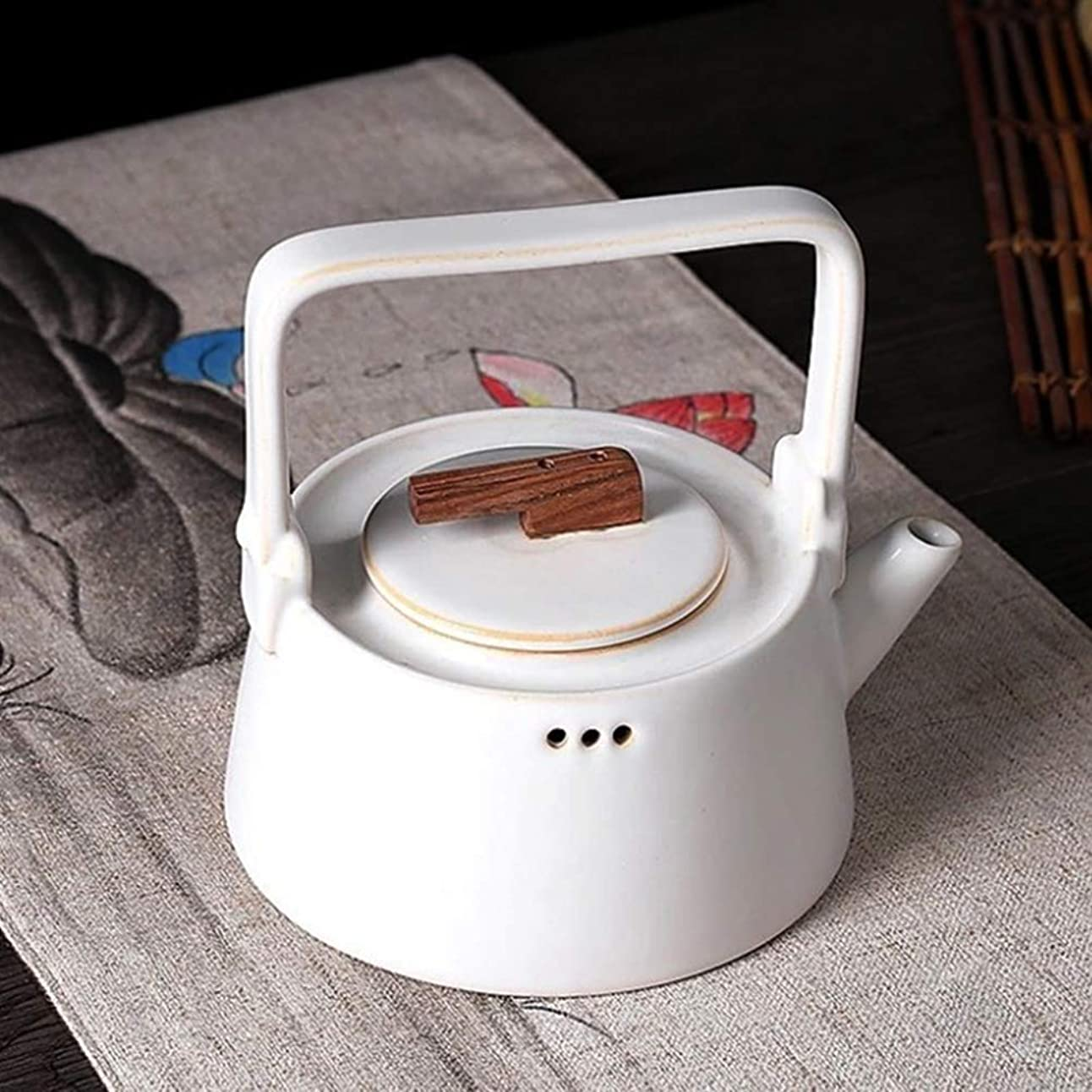 セラフ提案する有名人Price Simplicity Teapot、磁器、白、900 ml