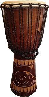 De la mano de la Djembe tambor de estilo africano tallado de 60 cm