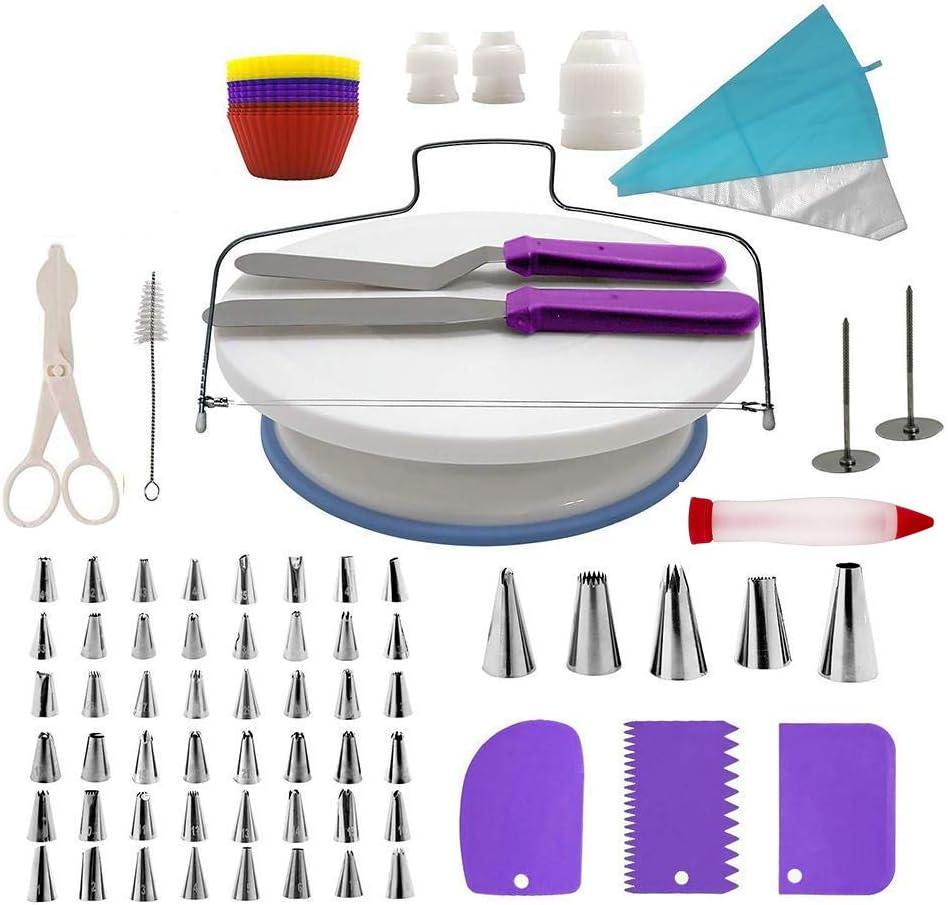 لوازم تزيين الكعك من 106 قطعة من فانتاسي داي، أدوات خبز مع 54 فوهة أنبوبية، 25 كيس للاستعمال مرة واحدة، 12 كيك، 2 كيس معجنات قابل لإعادة الاستخدام، 3 قارنات، ملاعق، 3 مكشطات، دوار للكيك