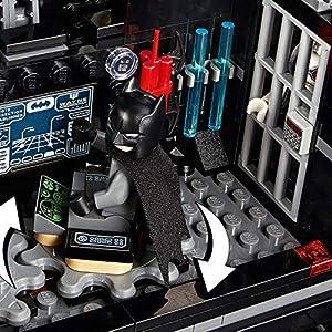 Amazon.co.jp - レゴ DCスーパーヒーローズ バットマンの移動基地トレーラー 76160