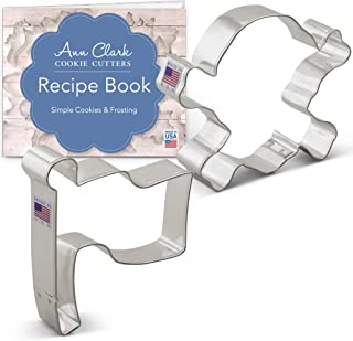 Ann Clark Cookie Cutters 2-Piece Pirate Jolly Roger Cookie Cutter Set with Recipe Booklet, Skull and Crossbones, Pirate Flag