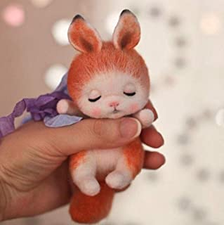 WellieSTR Natural Wool Roving Needlecrafts Needle Felted Felting Character Starter Kit: Sleeping Little Fox