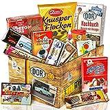 DDR Geschenkbox - Ostprodukte Süßigkeiten Box mit Zetti Knusperflocken, Halloren-Kugeln, Viba Nougat Stange uvm.