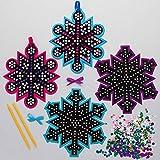 Baker Ross AX410 Schneeflocke Paillettenkugel Deko Anhänger Bastelset für Kinder - 4 Stück, Festliche Kreativsets und Bastelbedarf zum Basteln und Dekorieren zur Weihnachtszeit
