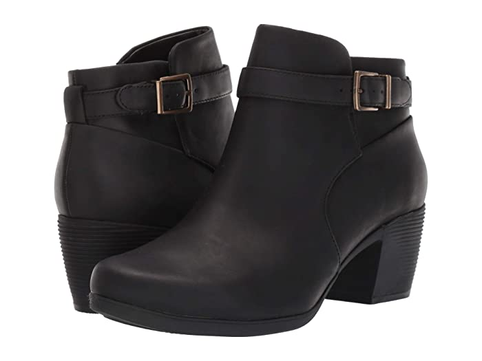 Clarks  Un Lindel Lo (Black Oily Leather) Womens  Boots