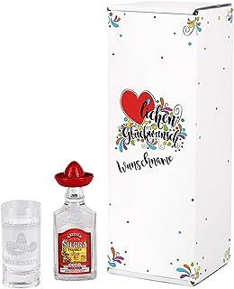 Herz & Heim Tequila Geschenk Set zum Geburtstag mit graviertem Schnapsglas und Mini Sierra Tequila Silver in Geschenkverpackung