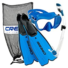 Snorkeling Set Includes: Cressi Rondinella Full Foot Fins Cressi frameless mask with Dry snorkel & mesh bag Perfect for snorkeling, free diving, and long Swims Optimizes performance and blade stability Durable and lightweight, yet resilient