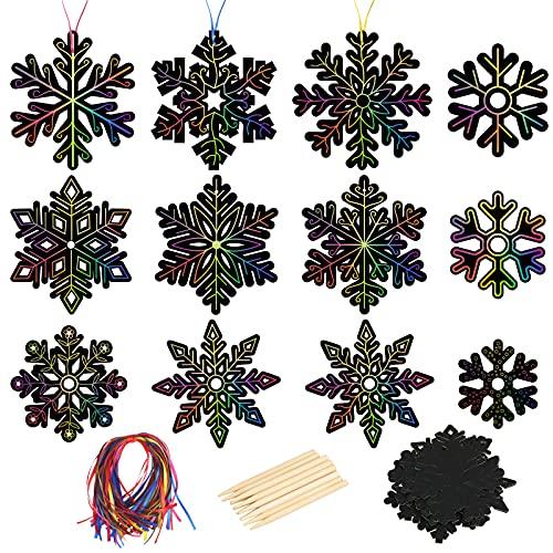 48pcs Snowflake Scratch Art MONCAP Xmas Black Magic Rainbow Papel de rascar DIY con 12 piezas de lápiz de madera y 50 piezas de cinta para niñas niños proyecto de manualidades