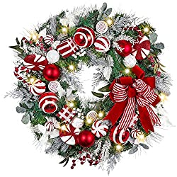 Wreaths as Christmas decorations for living room