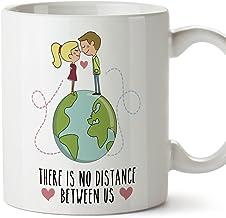 MUGFFINS Taza de café Regalo para la Pareja de Enamorados - Regalo Original de Novios y Novias San Valentín - There is no Distance Between us - 350