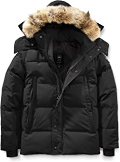 [カナダグース] CANADA GOOSE Men`s Wyndham Slim Fit Genuine Coyote Fur Trim Down Jacket Black Label メンズパーカー [Black] [並行輸入品]