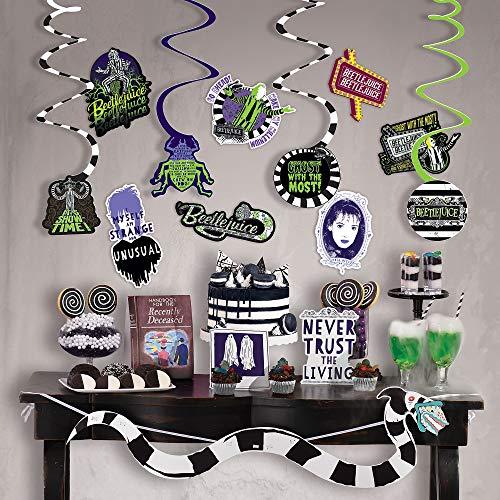 Party City Beetlejuice - Kit de decoración de habitación, suministros para fiestas, incluye bandera, tarjeta de tienda, recortes y remolinos, 24 piezas