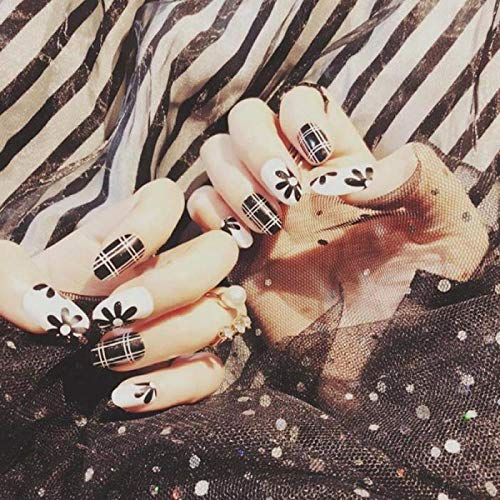 CSCH Faux ongles Gilrs DIY Full Cover False Nails Fashion Black and White Plaid Stripes Artificial Nails 24pcs / lot Nail Art Tips With Glue