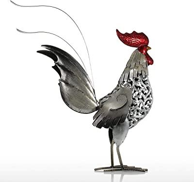 ROOSTER STANDING ON COBS OF CORN NEW REALISTIC LIFE LIKE GARDEN DECOR STATUE