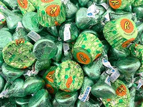 St. Patrick's Day Candy Mix - Kisses Milk Chocolate, Reese's Peanut Butter Cups, Bulk 3 Lbs