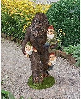 Design Toscano Schlepping the Garden Gnomes Bigfoot Yeti Garden Statue, 41 cm