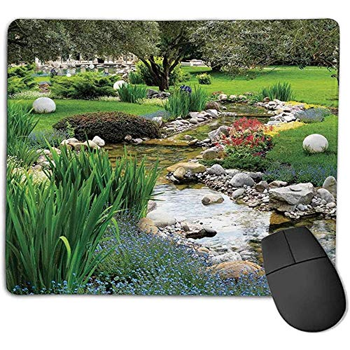 Muismat mat Country Decor tuin en vijver in Aziatische stromende stroom Wild Flowers Bushes Stones Landscape Operating