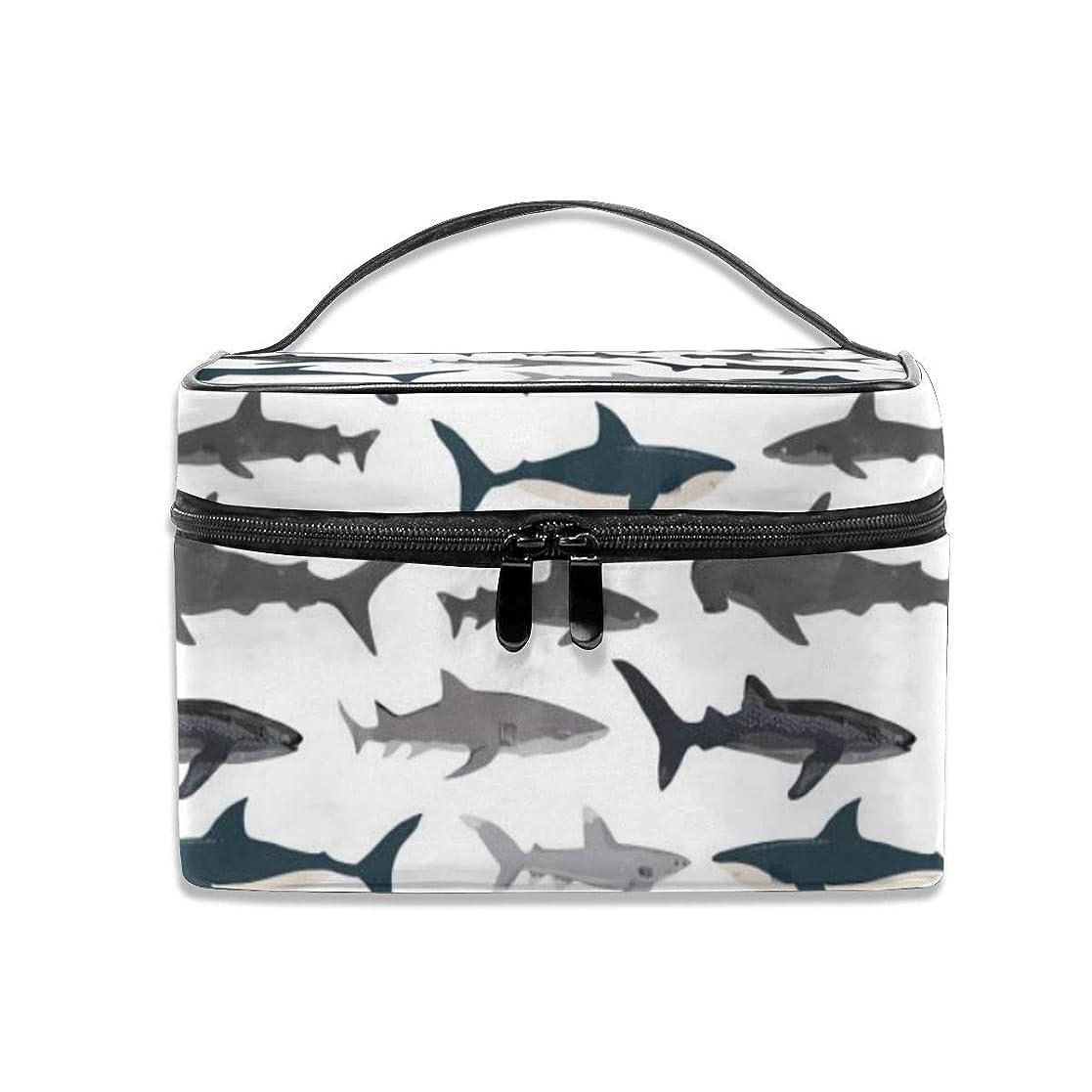 楽しむ電話に出る震えるサメ柄 化粧ポーチ 化粧品バッグ 化粧品収納バッグ 収納バッグ 防水ウォッシュバッグ ポータブル 持ち運び便利 大容量 軽量 ユニセックス 旅行する
