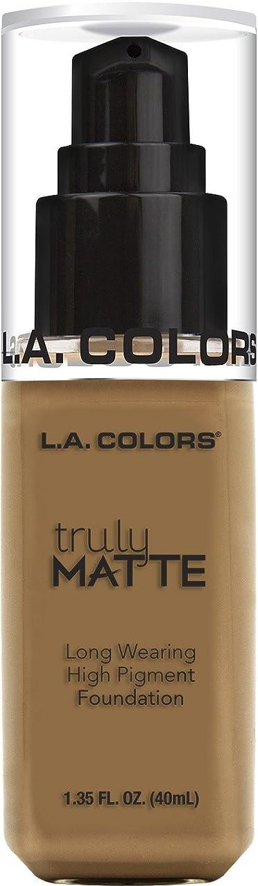 アイデアコーン現実にはL.A. COLORS Truly Matte Foundation - Warm Caramel (並行輸入品)