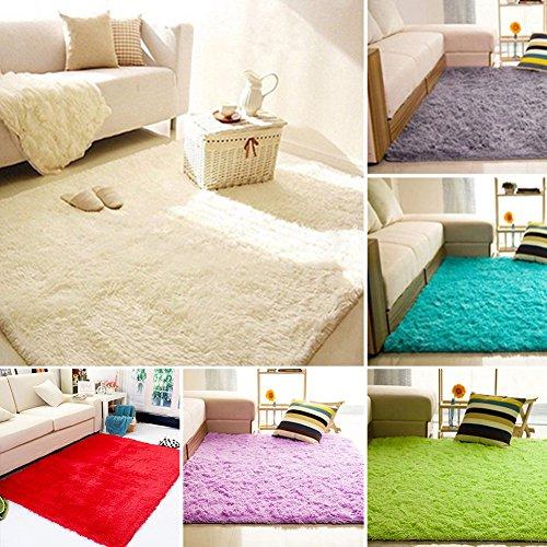 alfombra verde de la marca shlutesoy