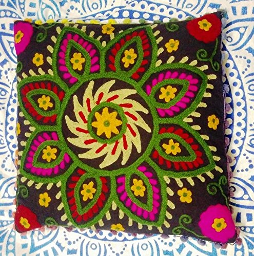 Traditional Jaipur Suzani Housse de Coussin 18 x 18, brodé Couvre-lit décoratif Indien taie d'oreiller, Pom Pom extérieur Boho Coussins, Couvertures d'oreiller