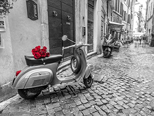 AFDRUKKEN-op-GEROLDE-CANVAS-Oude-scooter-met-bos-van-rozen-op-smalle-straat-van-Rome-Frank-Assaf-Europese-Afbeelding-gedruckt-op-canvas-100%-katoen-Opgerol-Afmeting-47_X_63_cm