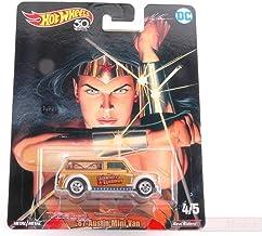 Hot Wheels HWDLB45-4 Pop Culture Batman & Superman 1967 Austin Mini Van 1:64 Compatible con