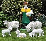 JS GartenDeko Deko Figur Schäfer mit 2 Schafen und 3 Lämmern Figuren Dekofigur Hirte aus Kunstharz H 87 cm mit Schafgruppe