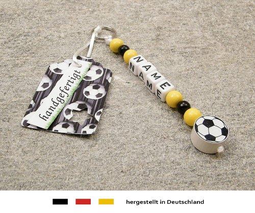 NAMENSANHÄNGER - Anhänger mit Namen - Baby Kinder Schlüsselanhänger für Wickeltasche, Kindergartentasche, Schultasche oder Rucksack mit Schlüsselring - Motiv Fussball in Vereinsfarben - schwarz, gelb
