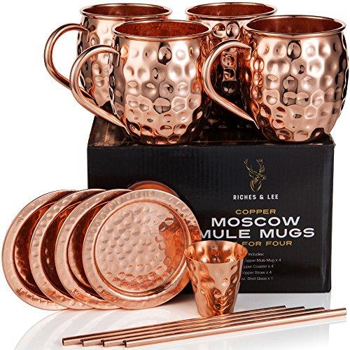 Moscow Mule Becher: 4er Set – Umfasst 4 x 18oz Kupferbecher, 4 x Untersetzer, 4 x Strohhalme, 1 x Shotglas in Geschenkbox 100% Kupferzubehör Handgemachter Trinkbecher im Fass-Optik