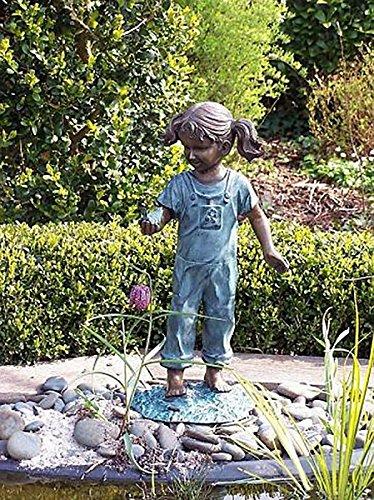 pompidu-living Mädchen mit Vogel, Bronzefigur, Bronzeguß H 50