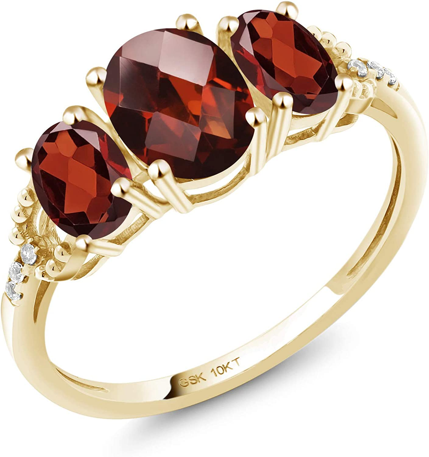 Gem Stone King 10K Yellow Gold Oval Checkerboard Red Garnet Women Engagement Ring (2.16 Cttw, Gemstone Birthstone, Available in size 5, 6, 7, 8, 9)