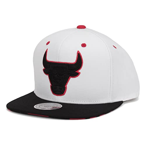 Mitchell   Ness Double V Chicago Bulls Snapback Hat (White Black Red) c285c8ca3611