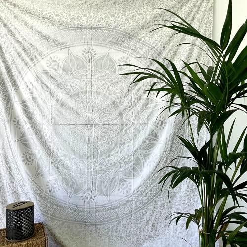 MOMOMUS Tenture Mandala - Arbre - 100% Coton, XXL, Polyvalent - Tapisserie Murale Drap/Tapis/Tissu Mural, Une Pièce 210x230 cm, Argent B