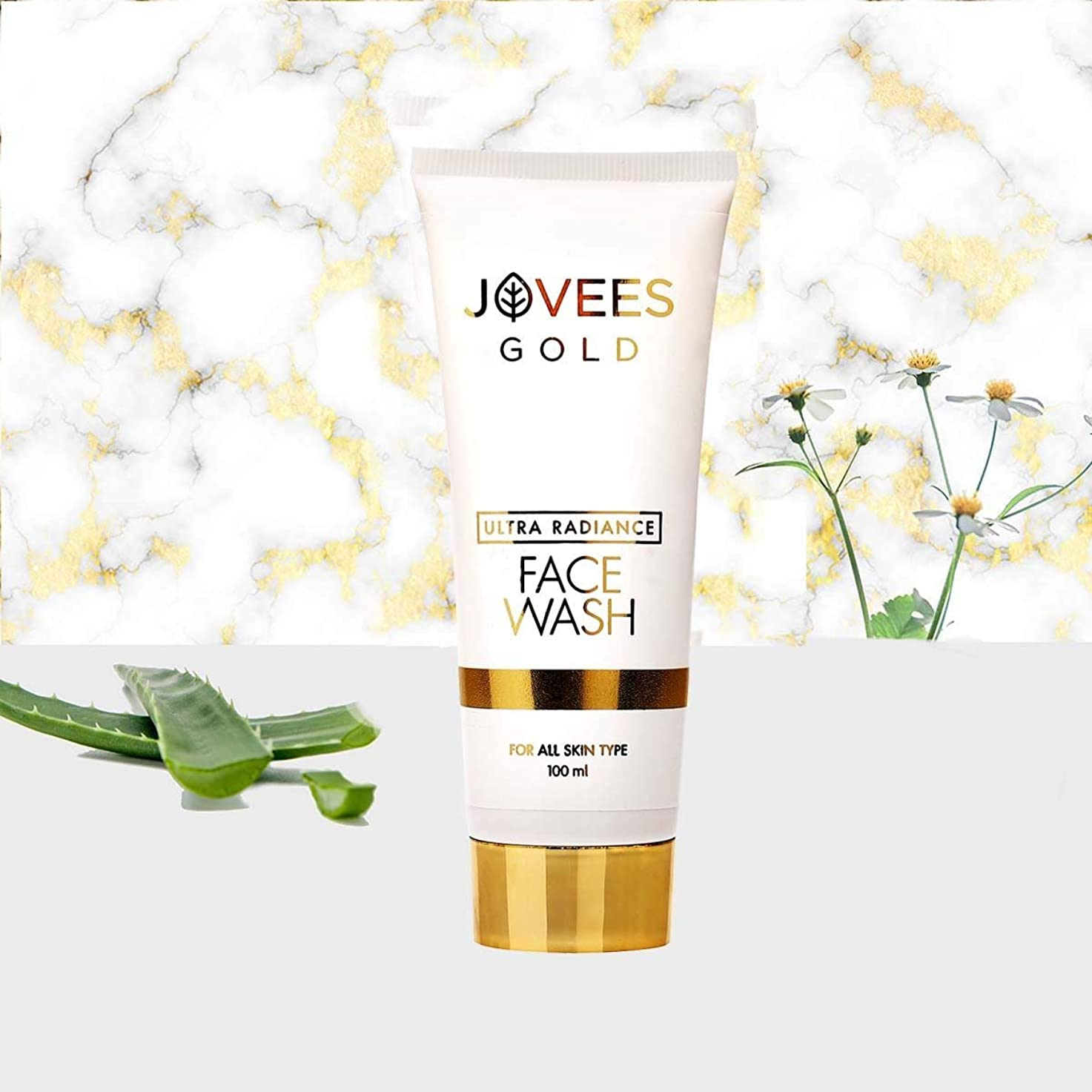 Jovees Ultra Radiance 24K Gold Face Wash 100ml to help bring glow and radiance 輝きと輝きをもたらすのを助けるためにJovees Ultra Radiance 24Kゴールドフェイスウォッシュ