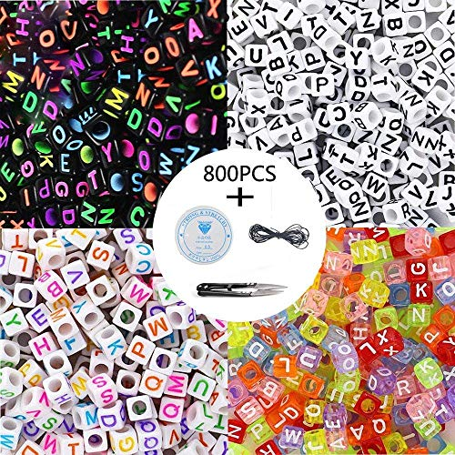 Langtor 800 Stücke 4 Farbe Acryl Alphabet Buchstaben Perlen A-Z Cube Perlen mit 1 Fadenabschneider 1 Schwarze Schnur und 1 Seidenfaden für Schmuck Machen Kinder DIY Halskette Armband (6mm)