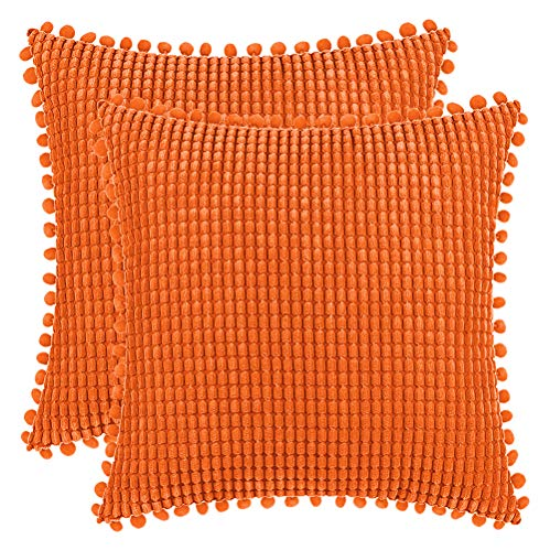 DEZENE 40x40cm Fundas de Almohada Decorativas con Pompones - Naranja Cuadrado Paquete de 2 Fundas de Cojín de Granos de Maíz Grande a Rayas de Pana para Sofá de Granja