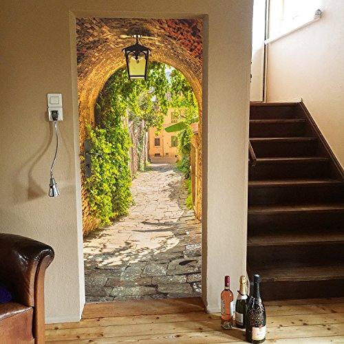 Murimage deurbehang Gasse 86 x 200 cm doorgang straat romantisch lantaarn Toskana behang fotobehang inclusief behanglijm