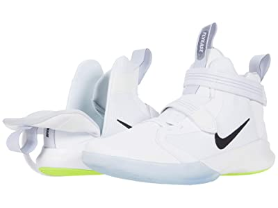 Nike FlyEase Precision III