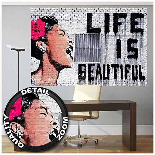 GREAT ART® Fototapete – Banksy Pop Art Bild – XXL Wandbild Dekoration Graffiti Life is Beautiful Street Style Stencil Bild Wallpaper Foto-Tapete Wandtapete Poster Wanddeko (210 x 140 cm)