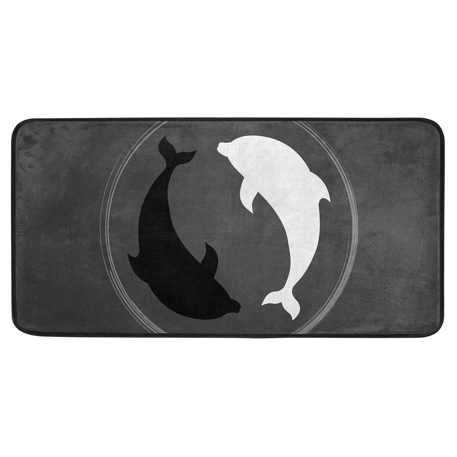 くさびグローバルとげカオリヤ キッチンマット イルカ柄 海豚柄 ドルフィン柄 100×50cm 長方形 ロングマット 長い ブラック デザインドアマット 滑り止め 洗える 屋内用 室内用