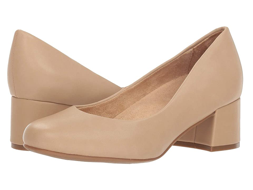 Naturalizer Donelle (Taupe Smooth) Women