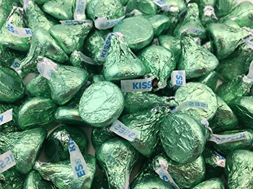 LaetaFood Bag - Hershey's Kisses, Milk Chocolate in Light Green Foils (Pack of 2 Pound)