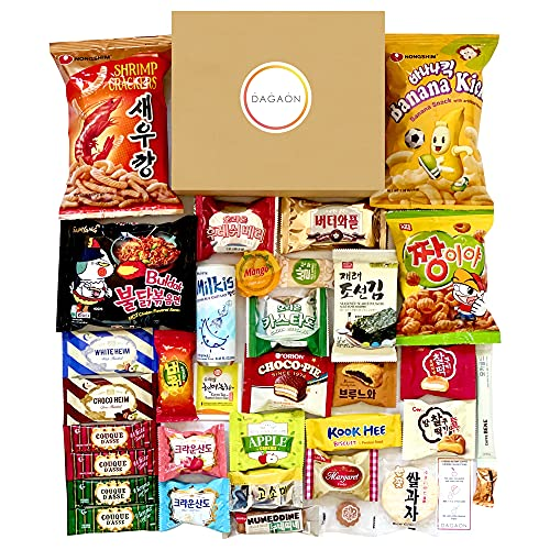 DAGAON Finest Korean Snack Box 34 Count – Variety Snacks Including Korean's Favorite Chips, Biscuits, Cookies, Pies, Candies. Perfect appetizing Korean snacks for any occasions, gifts and everyone.