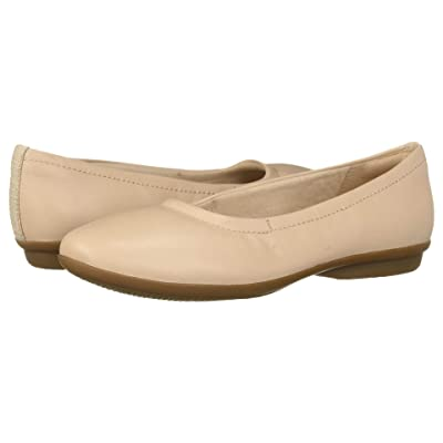 Clarks Gracelin Vail (Nude Leather) Women