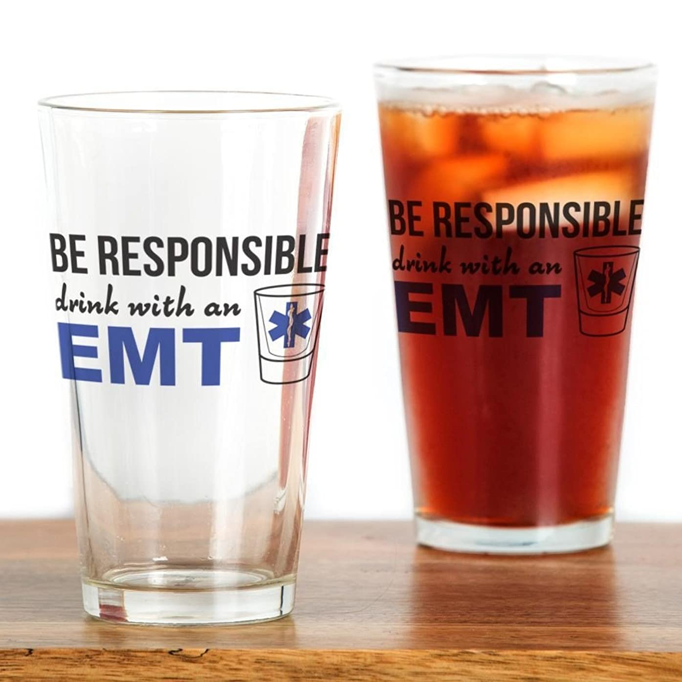 圧倒する長椅子発火するCafePress?–?Drink with an EMT?–?パイントガラス、16オンスDrinkingガラス クリア 144755668033332