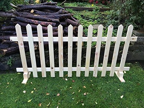 Free-Standing Picket Fence Panels Smooth Timber Point Top 6ftx3ft
